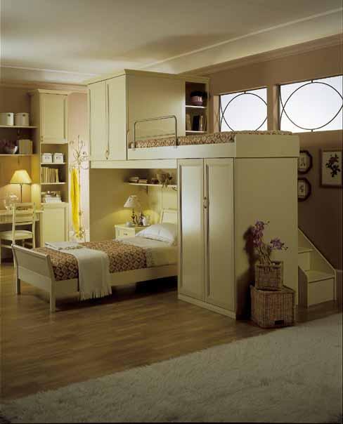 Arredamento classico cameretta legno eleganza