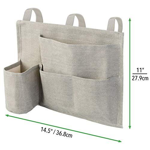 mDesign Tasca portaoggetti da letto  Compatto portaoggetti letto con 4 tasche in cotone pesante  Organizer e portaoggetti da appendere ai bordi del letto tramite 3 appositi tiranti  grigio chiaro