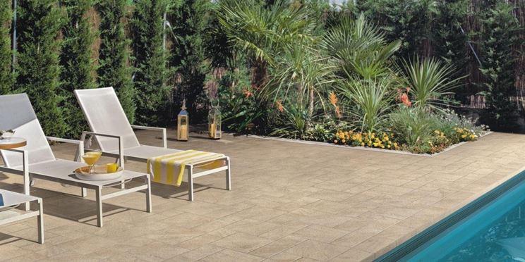 Piastrelle per esterno antiscivolo  pavimenti esterno  Tipi di mattonelle antiscivolo per esterni