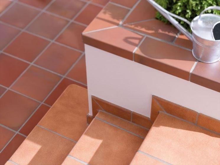 Piastrelle per gradini  pavimenti esterno  Tipi di piastrelle per gradini