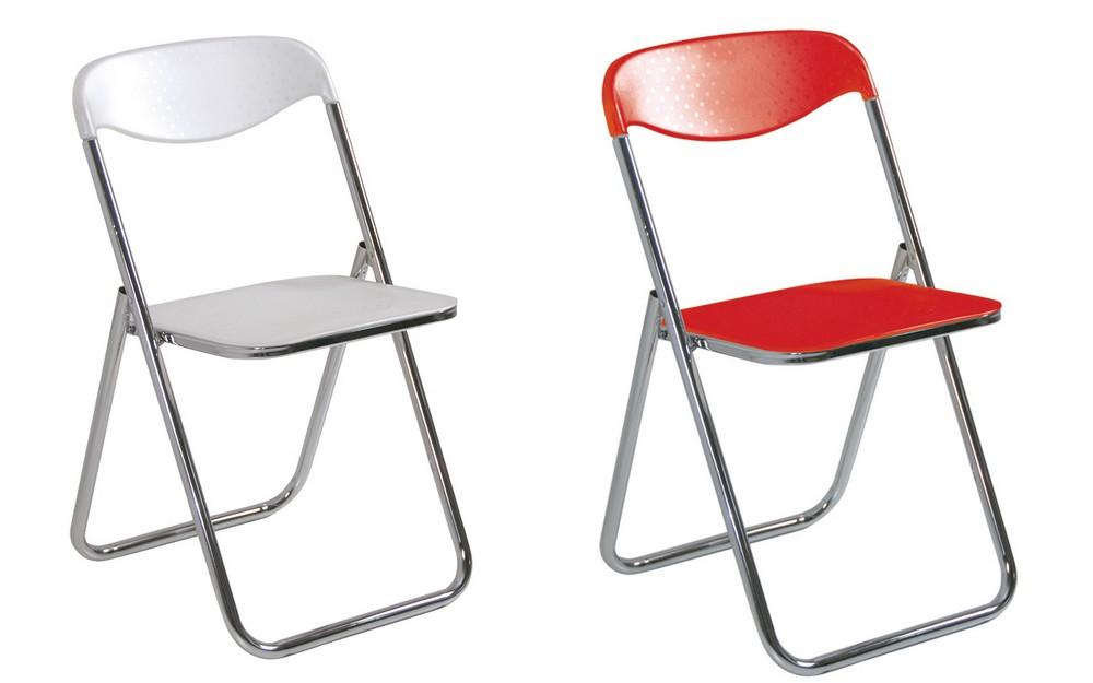 Sedia pieghevole in plastica leggera con seduta