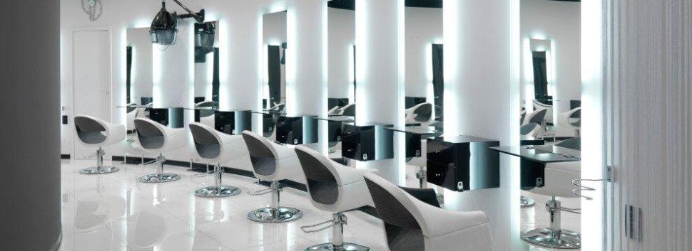 Arredamento parrucchieri fab vezzosi poltrone lavatesta for Arredamento per parrucchieri