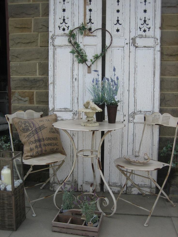 7 idee per addobbare un balcone in stile Shabby Chic Provenzale e Country  Arredamento Provenzale