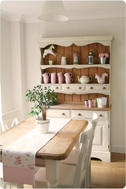 7 idee per la tua sala da pranzo in stile Shabby Chic provenzale e country  Arredamento Provenzale