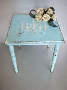 Il tavolo è il re dei mobili della casa, soprattutto se è in stile shabby chic, provenzale o country. 7 Idee Per Un Tavolo In Stile Shabby Chic Provenzale O Country Arredamento Provenzale