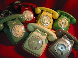 oggetti anni 60 radio Cubo televisore Algol telefono siemens bicchieri vasi
