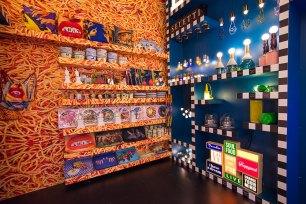 seletti-wears-toiletpaper-pop-up-gallery-rug-show-07-antinori