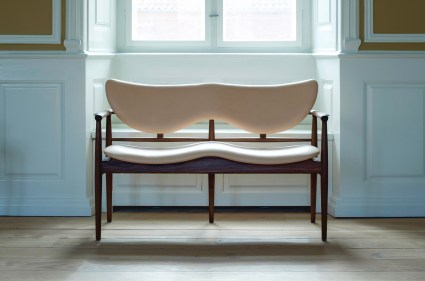 vocast-gallery-48-series-cocktail-bench