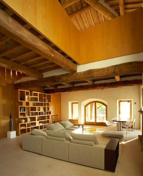 Villa Francisci lunione tra legno pietra e arredi
