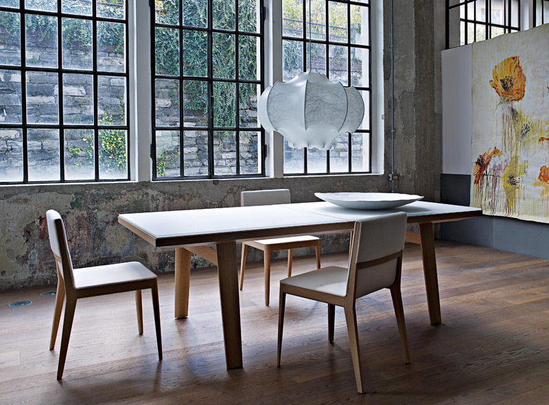 Il tavolo in legno bianco una nota luminosa  Arredica