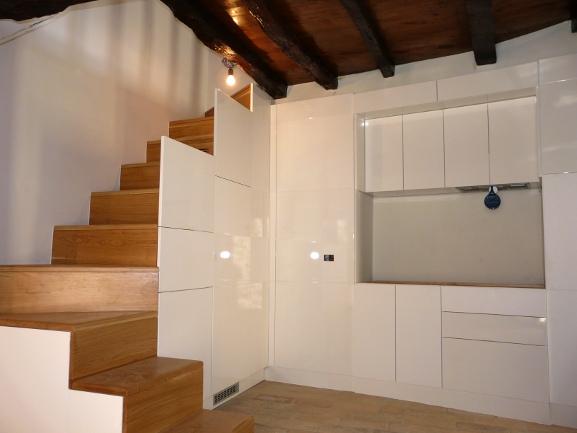 ARREDI FIORELLI  Scale in legno per interni classiche e