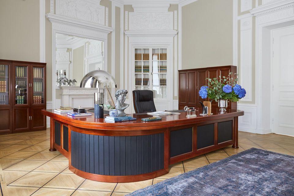 In particolare puoi cercare tra l'arredamento per la camera, mobili per il soggiorno, divani, scrivanie, schedari e tanto altro a rovigo. Mobili Per Ufficio Stile Classico E Moderno Esclusivi Arrediorg It
