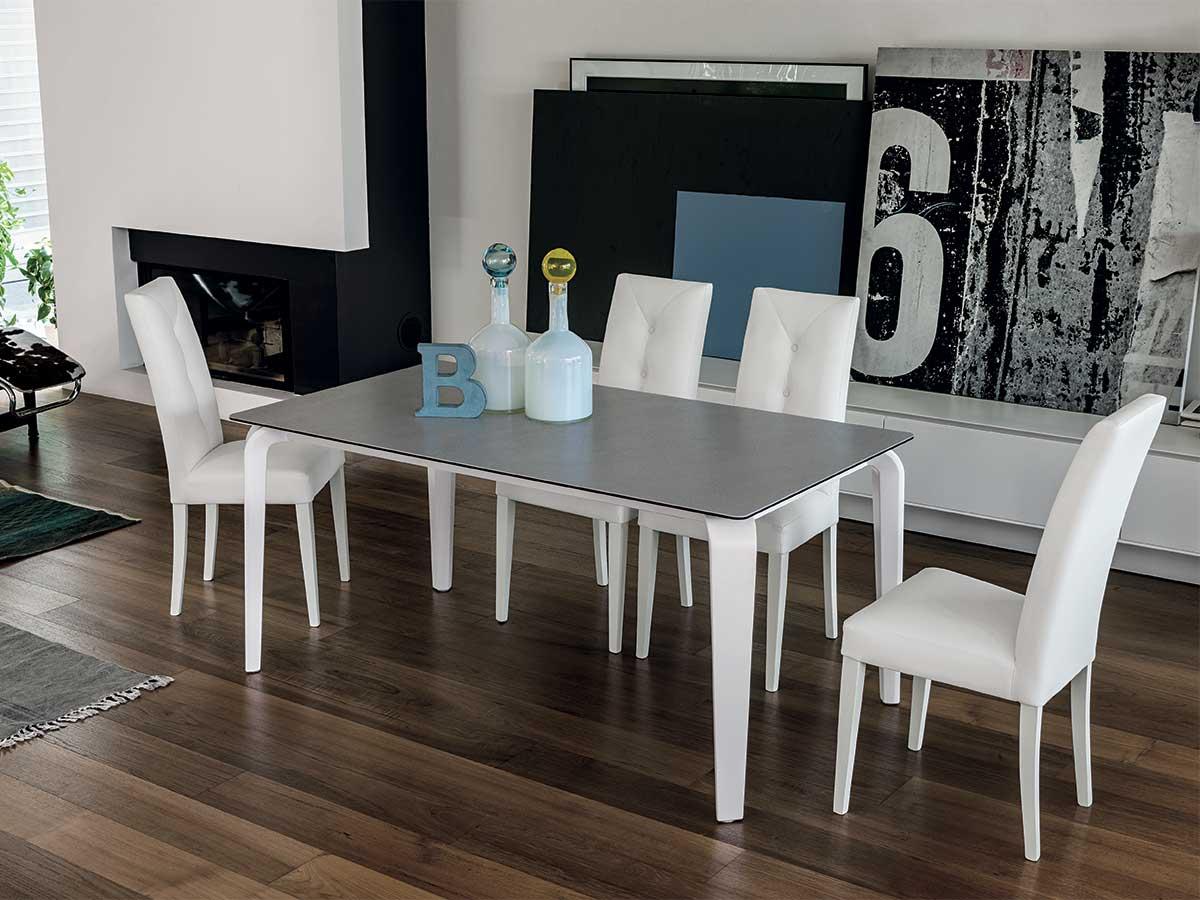 Tavolo moderno allungabile  Arredo Soggiorno