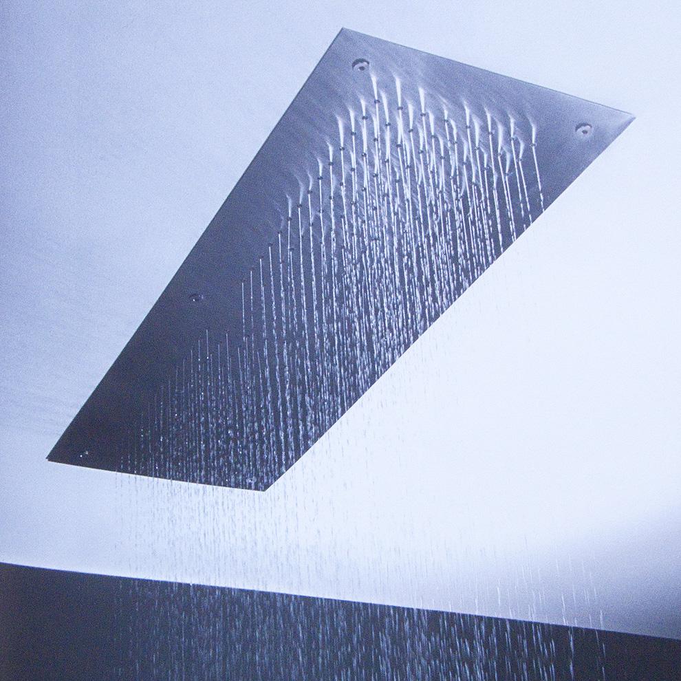 Finalmente dei soffioni doccia a incasso da controsoffitto