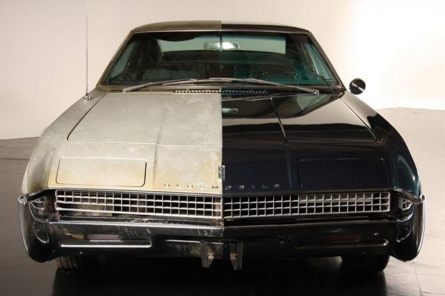 Para Mostrar A Importância De Restauração De Carros Antigos, Empresa Restaura Apenas Metade De Um Carro