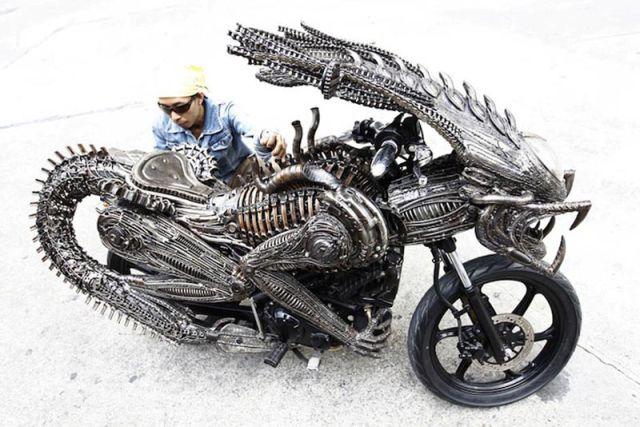 A Incrível Motocicleta Inspirada No Alienígena Do Filme