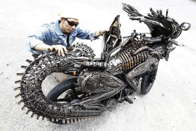 "A Incrível Motocicleta Inspirada No Alienígena Do Filme ""Alien"""