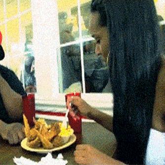 O que fazer quando sair para jantar com a sua namorada?