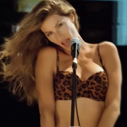 Gisele Bündchen cantando?? Como assim??