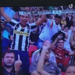 Torcedor do Botafogo feliz da vida com o seu time