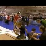 Ciclista Termina Corrida Com Lasca Enfiada Na Perna