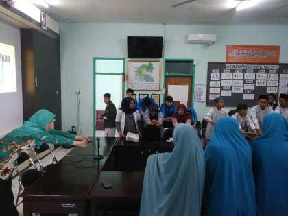 Empat Siswa SMA Ar Rohmah Mengikuti Penyegaran Kader Kesehatan Sekolah