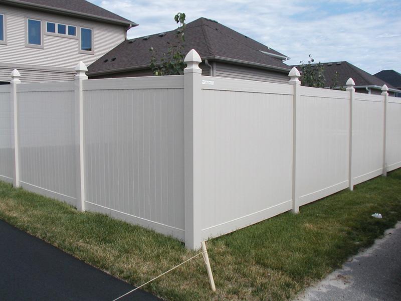 vinyl privacy fence photo