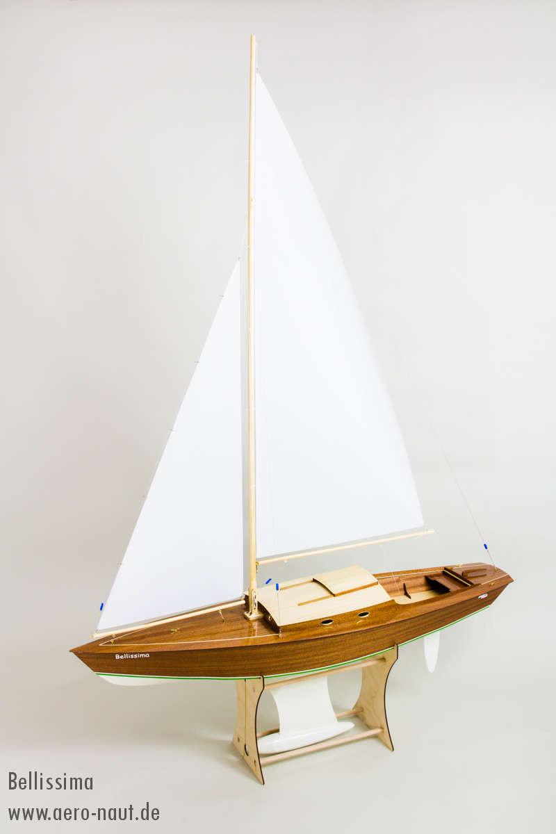 Bellissima Radio Control Sailing Yacht Aero Naut