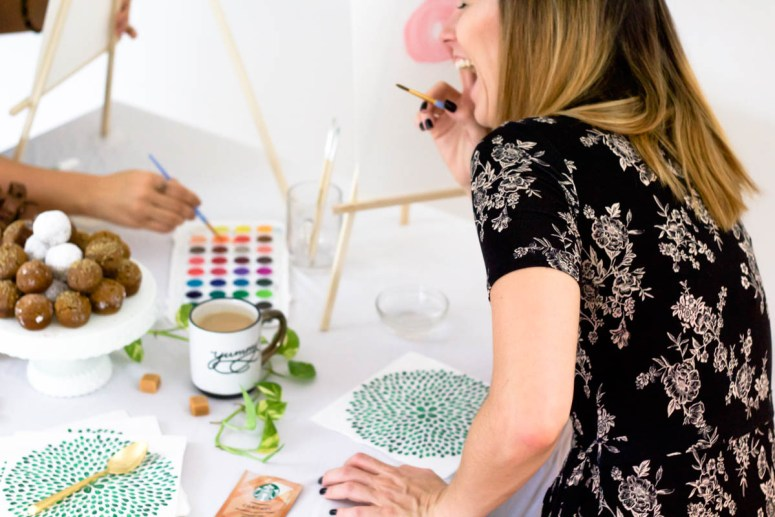 How to Get Your Creative Juices Flowing + A DIY Easel!