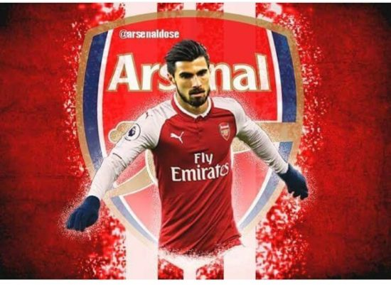 Andre-Gomes-in-Arsenal-shirt