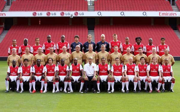Arsenal 1st Team Squad 2007/8 Back row (left to right) #523412