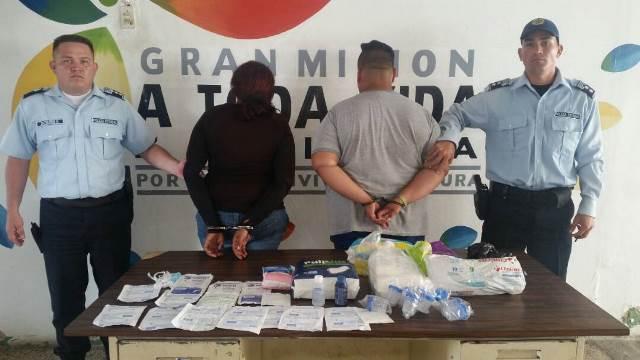 Detienen a una pareja que revendía medicamentos de manera ilegal en la emergencia del Hospital Central