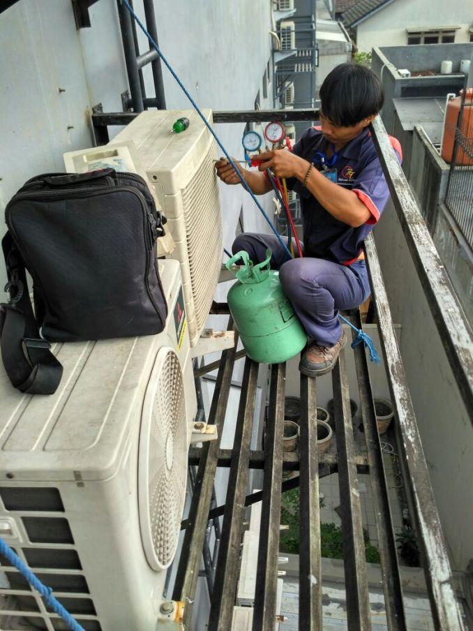 Jasa Service AC Sungai Bambu Jakarta Hubungi 08979012689