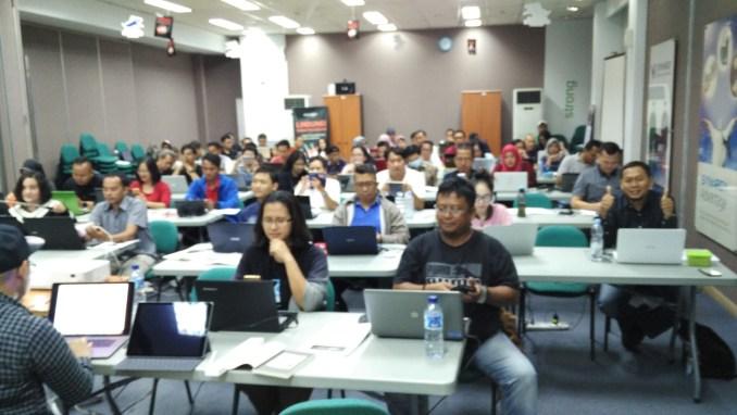 Belajar Bisnis Online di Karang Anyar Jakarta Hub. 087878211823