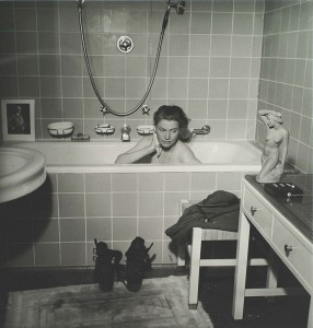 Lee Miller in Hitler's bath, Munich, 1945.