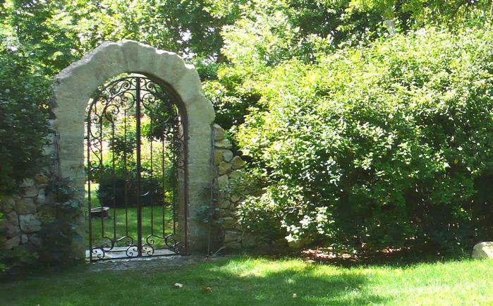 Grille De Jardin grille de jardin fer forg portillon fer forg sur grille jardin grillage