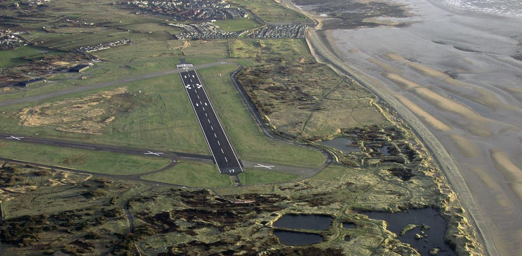 https://i0.wp.com/www.art-gene.co.uk/wp-content/uploads/2016/10/HEADER-FORT-WALNEY-Lawrence-Hill-2005-Aerial-Photos-of-the-North-Walney-National-Nature-Reserve.jpg?fit=2000%2C983
