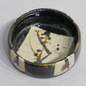 浜田庄司 黒釉鉄絵鉢