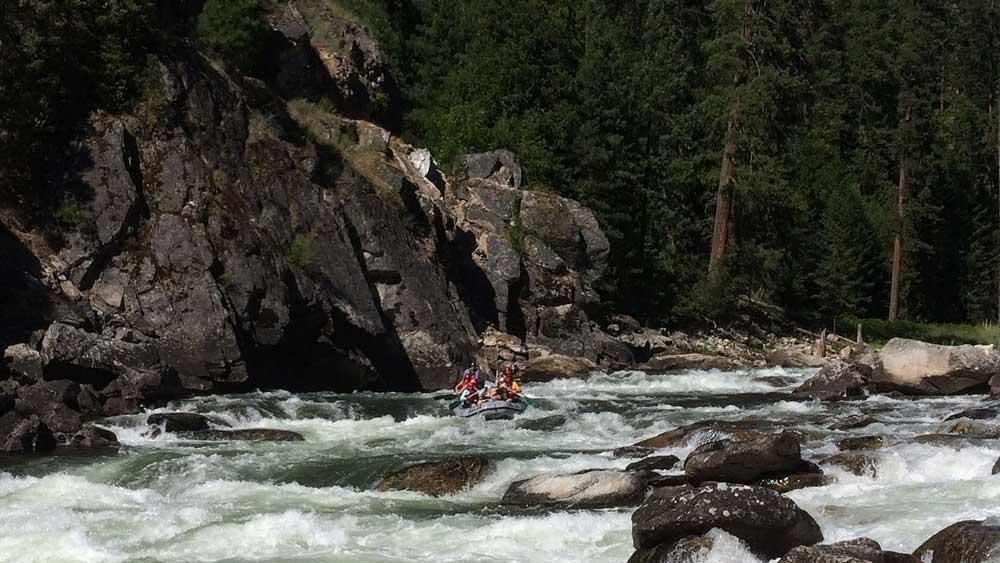 wolf-creek-rapid-whitewater-rafting-selway-river-arta-river-trips-03