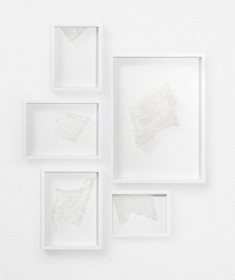 ArteFiera 2019 | Maria Elisabetta Novello: D'ouvrage d'or, d'argent et soie, 2017 - cenere su vetro, 5 elementi, 100x100 cm | courtesy Galleria Anna Marra, Roma