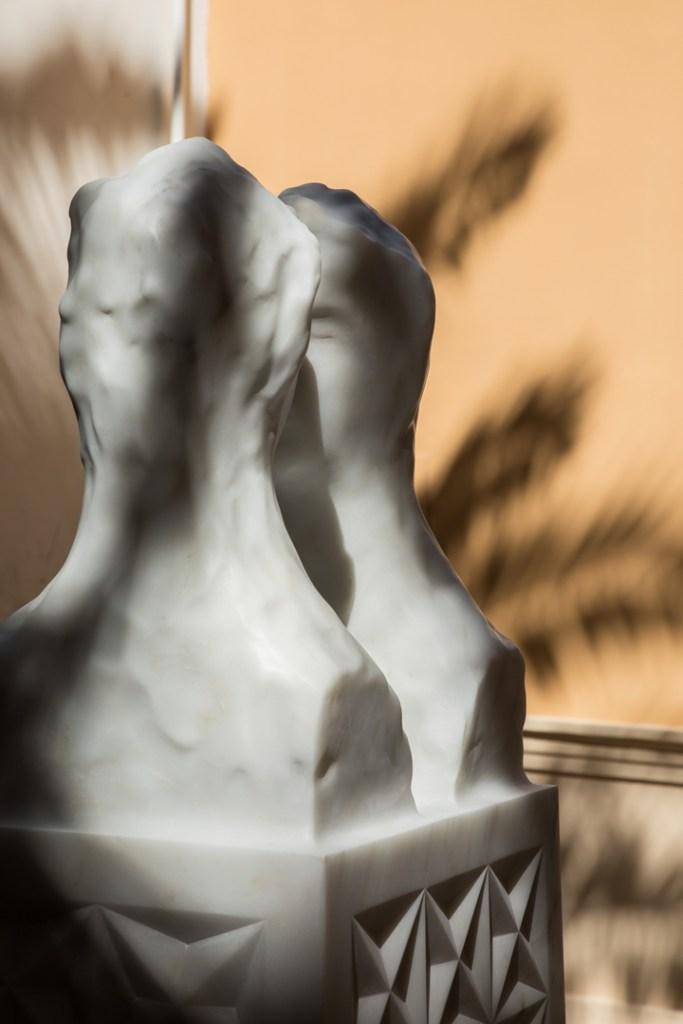 Una boccata d'arte. Ornaghi & Prestinari: Eclisse, 2020 - marmo, 180 × 50 × 40 cm. Chiostro dell'ex Cinema Storico, Via Roma 77-75, 83019, Sant'Agata de'Goti (BN) |