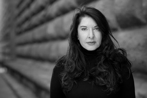 Marina Abramović, attraversare i muri.