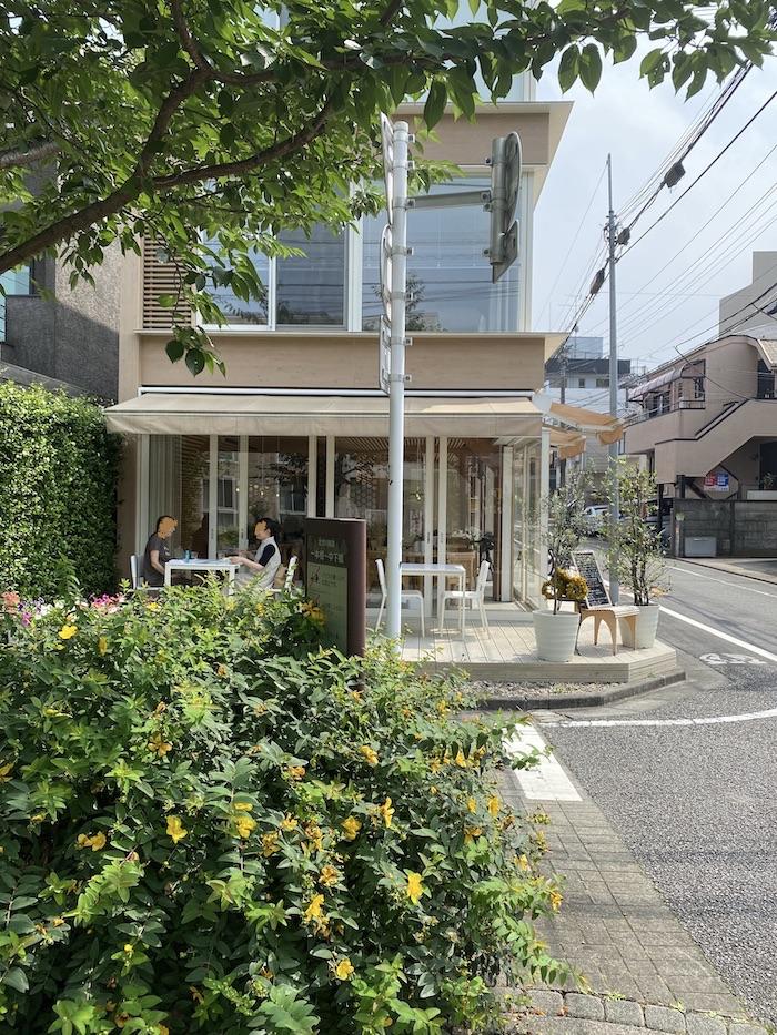 坂茂設計 紙管のレストラン「ヴァン・サンテ」