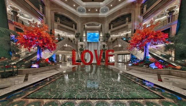 Laura Kimpton, LOVE, The Venetian Las Vegas