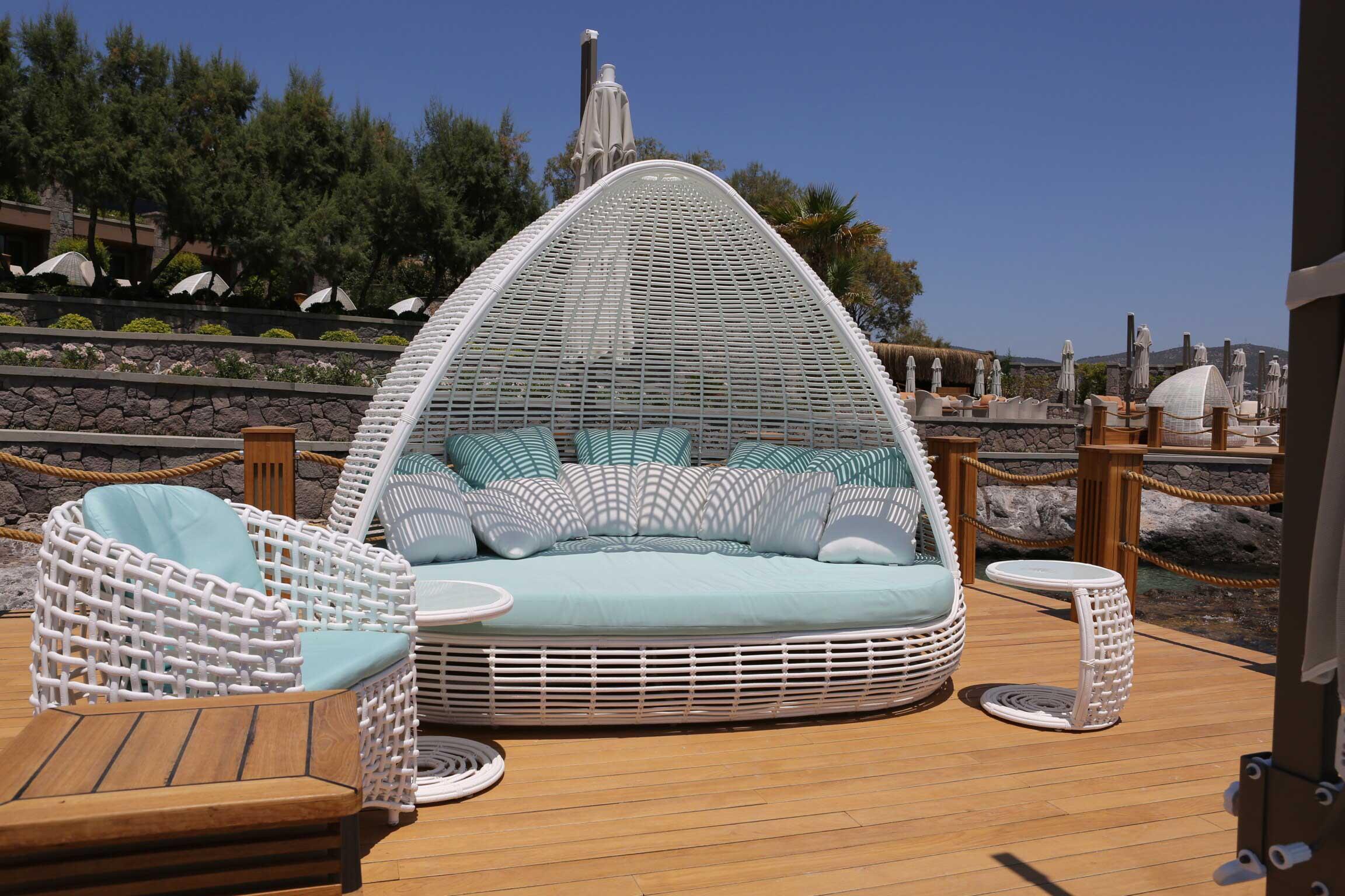 Lit de jardin toit rsine Lusso  luxe contemporain