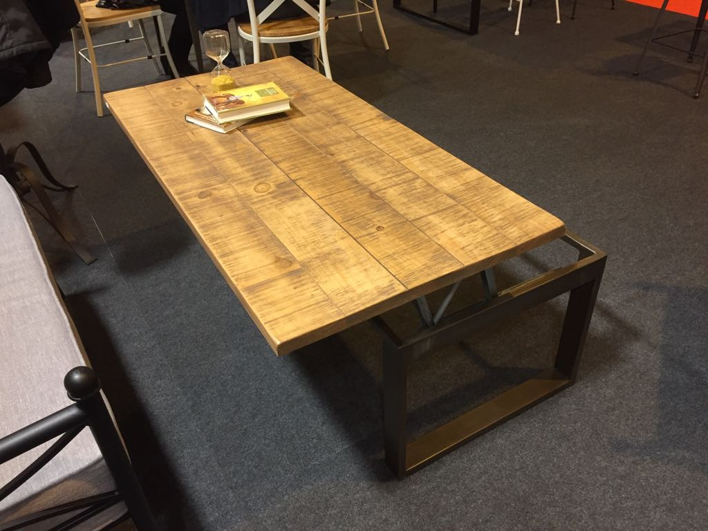 Table basse relevable de style industriel plateaux bois en option modle Mirage