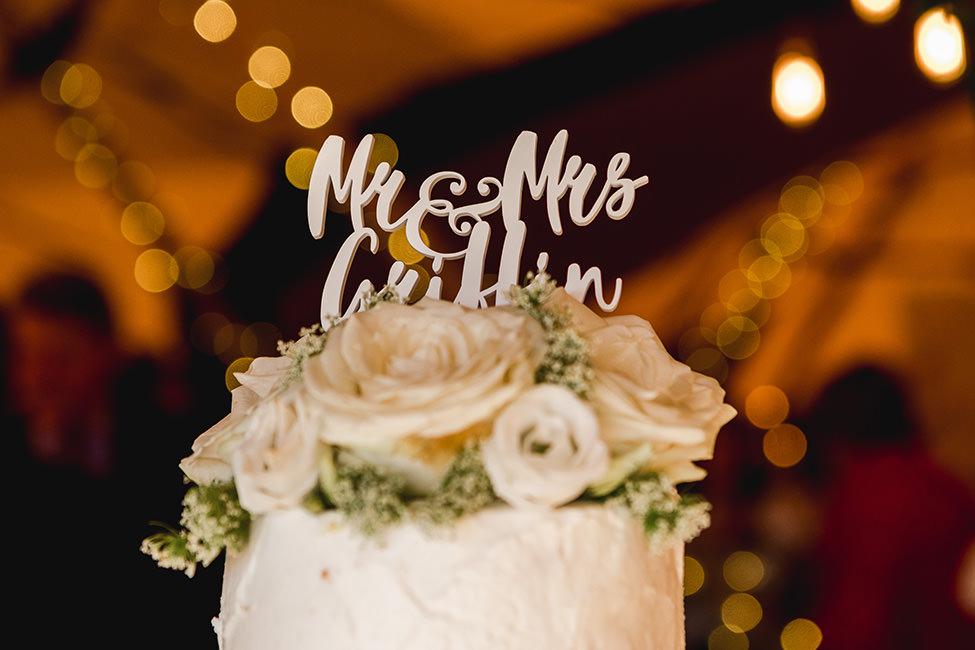 wedding cake south wales