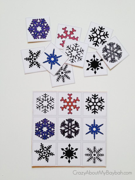 25 Winter and Christmas Crafts for Kids Christmas DIY Snowflake Matching Game #Toddlers #Preschoolers #Homeschool