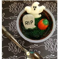 Graveyard Pudding Cups | Halloween Treats for School