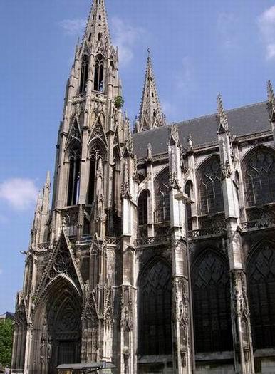 arte gotica cattedrali in Francia